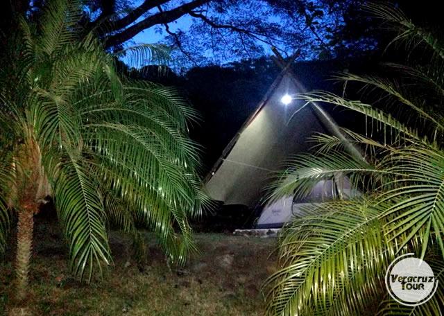 Hospedaje en zona de acampar en el río Pescados Jalcomulco Veracruz