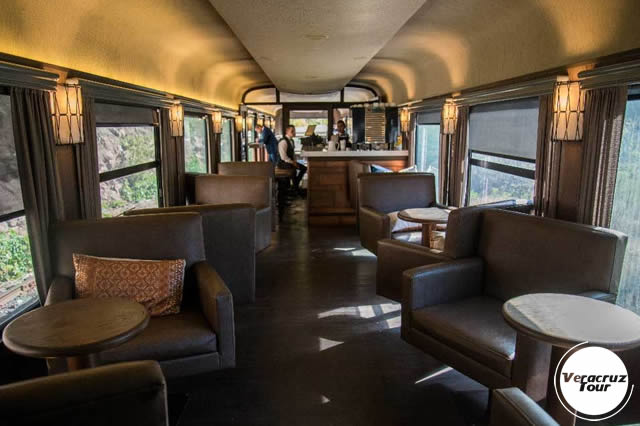 Interior Del Chepe Express