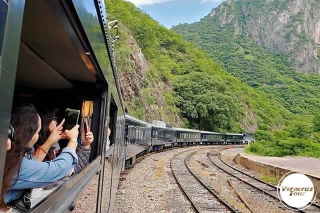 Viajemos En El Chepe Express y Barrancas Del Cobre